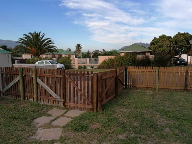 Property For Rent in Milkwood Park, Cape Town 2