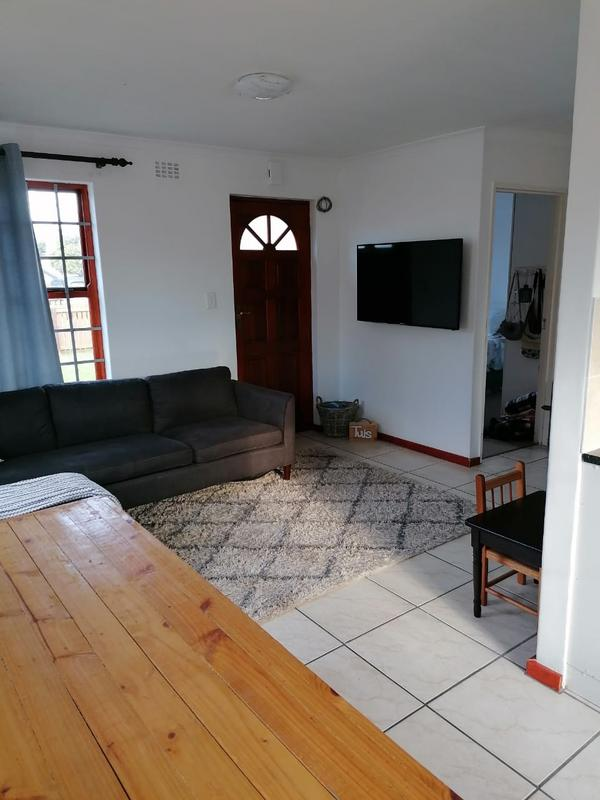 Property For Rent in Milkwood Park, Cape Town 4