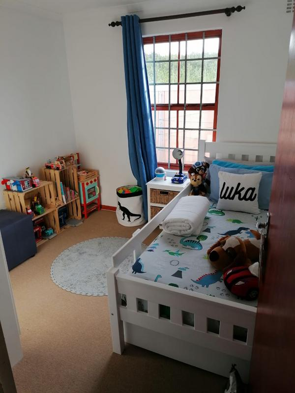 Property For Rent in Milkwood Park, Cape Town 11