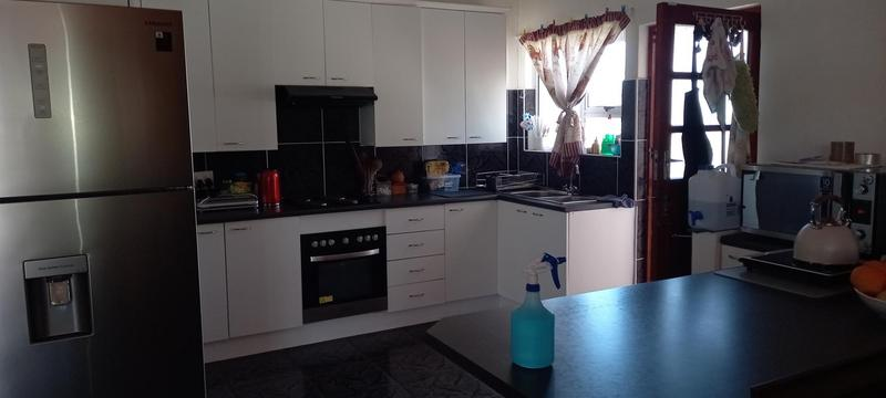 House For Sale in Fish Hoek, Cape Town